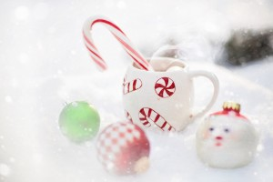Candy canes and hot chocolate Pixabay